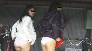 素人女性露出 パンツを見せてください Part.1