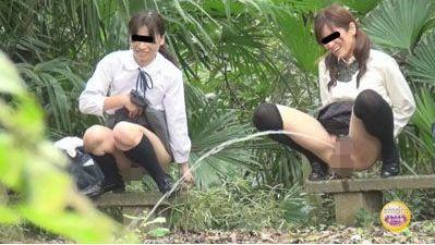 隠撮女学生飛ばし合いっこ野ション弐