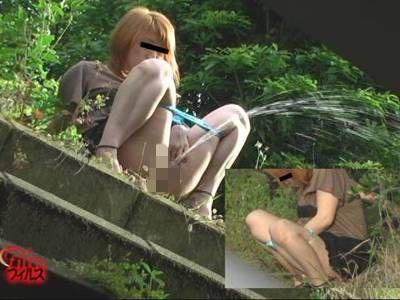 野外排泄シリーズ 覗撮 2カメ アクロバティック野糞野尿